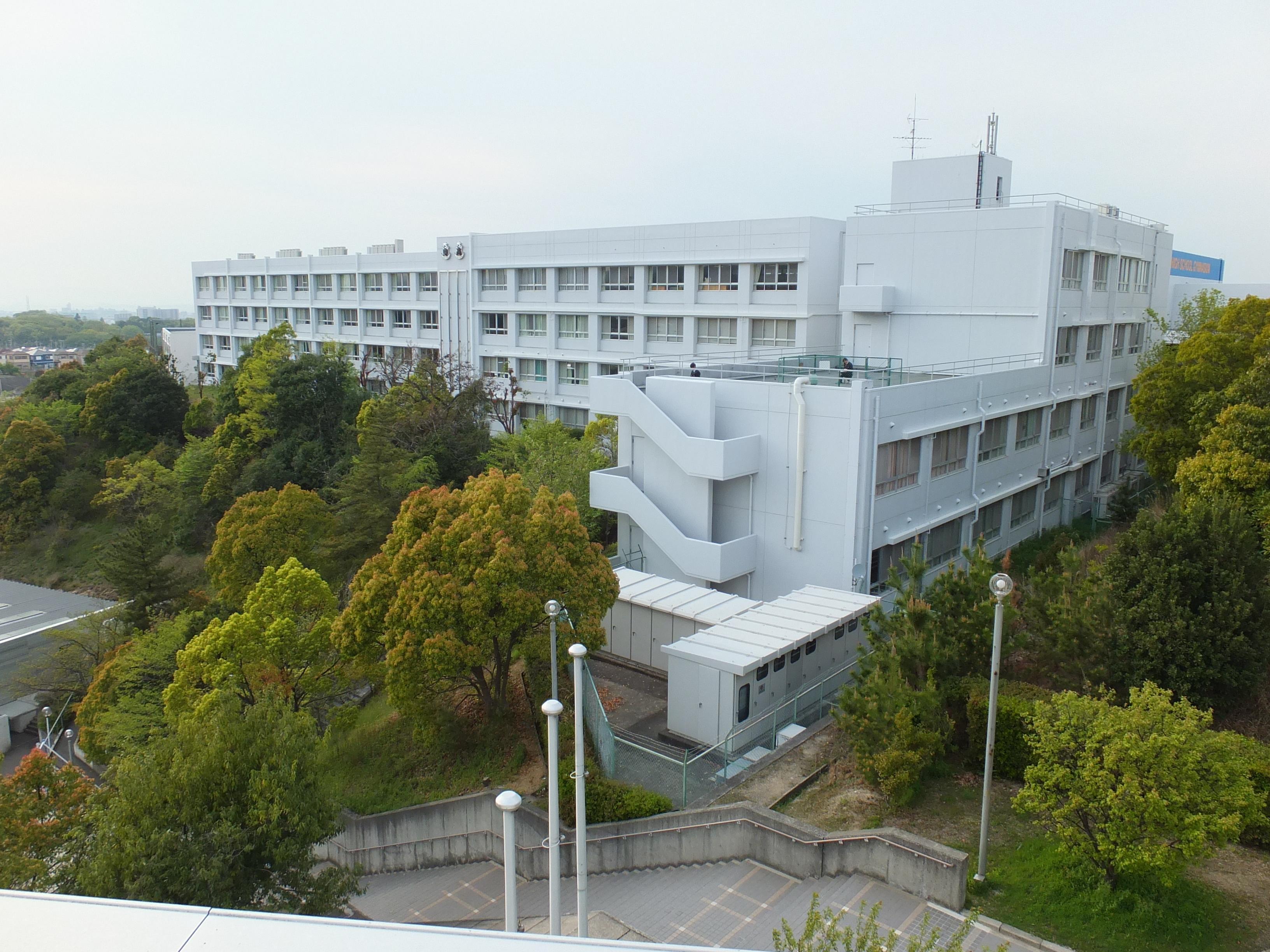 大阪体育大学浪商中学校