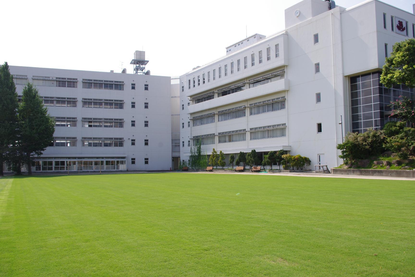 雲雀丘学園中学校