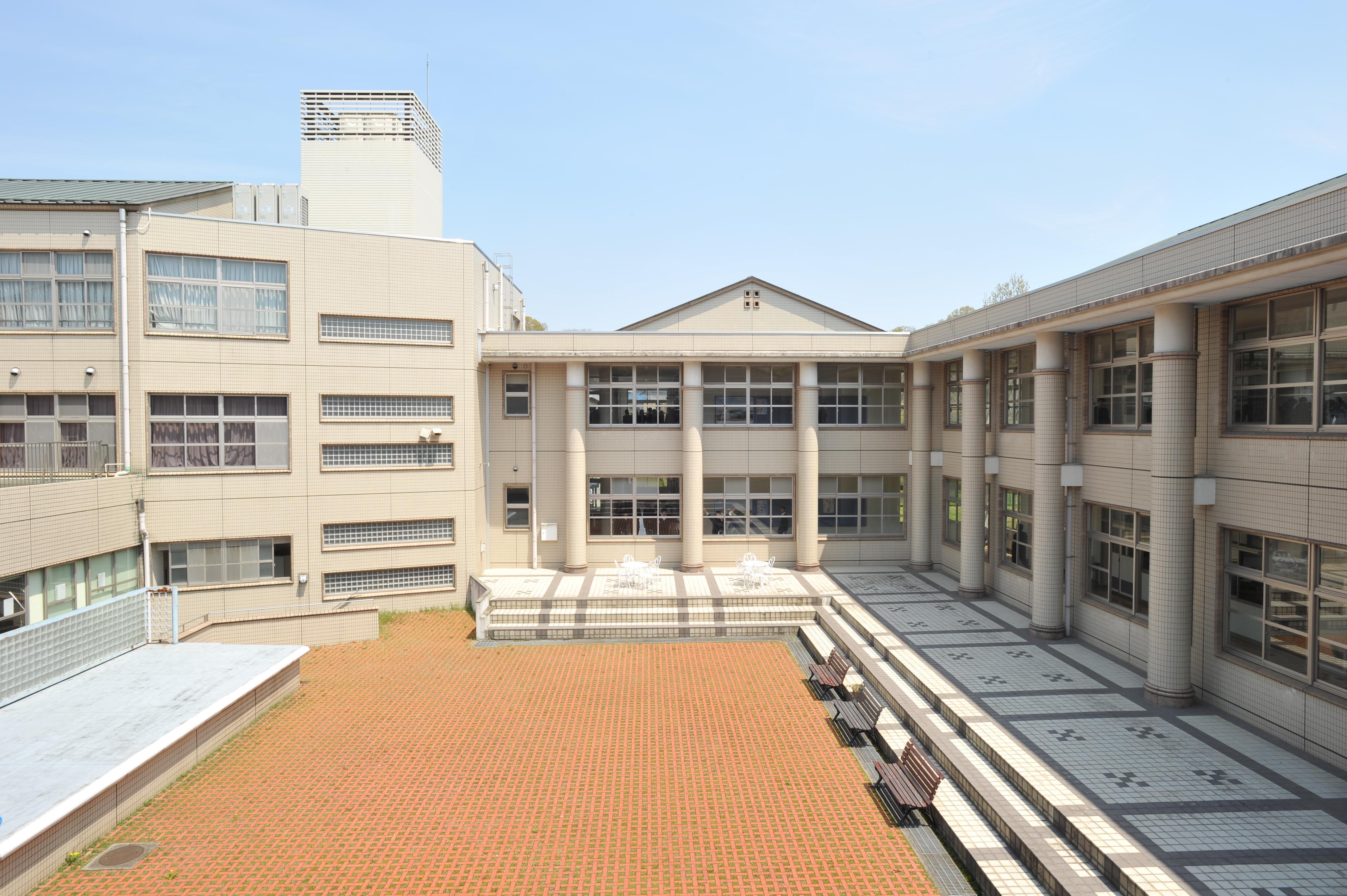 上宮太子中学校
